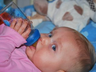 Baby Trinkmenge – Wieviel muss ein Baby trinken?