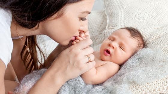 Schluckauf bei Neugeborenem was tun